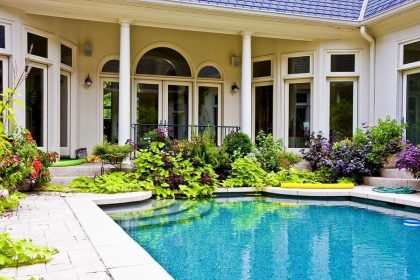 Your Pool Builders in Houston Are Ready When You Are